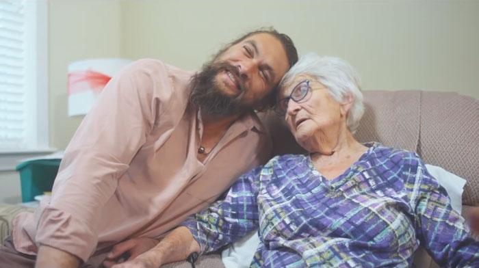 Аквамен и бабушка: трогательная связь поколений