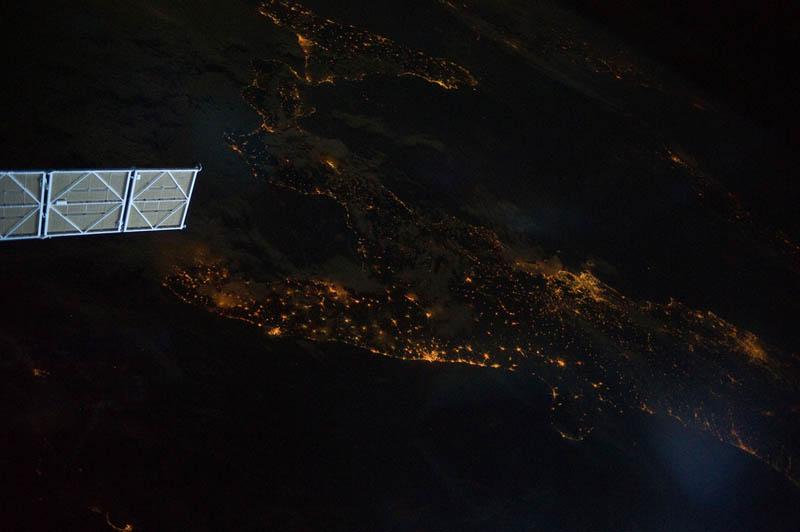 1911 Ночь на планете: 30 фото из космоса