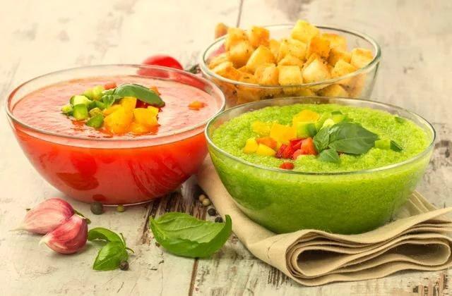 Самые вкусные холодные супы — полезно и несложно!