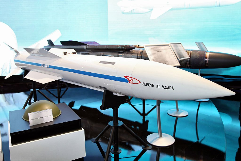 Западные СМИ: новая ракета России поразит любой военный самолет США