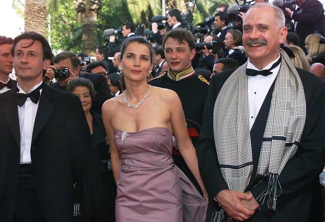 Oleg Menshikov,Julia Ormond,Nikita Mikhalkov - 1999 (652x445, 96Kb)