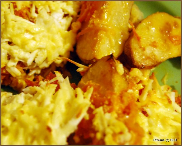 Запеченный картофель под морковной шубкой. Фото-рецепт.