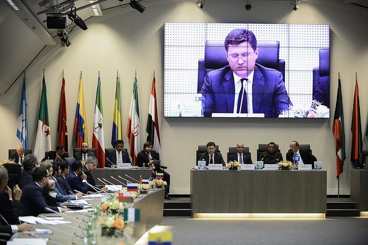 ОПЕК+ отложил принятие решения о снижении добычи нефти в 2019 году