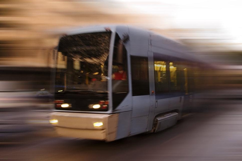 В Ницце запустили трамвай, к…