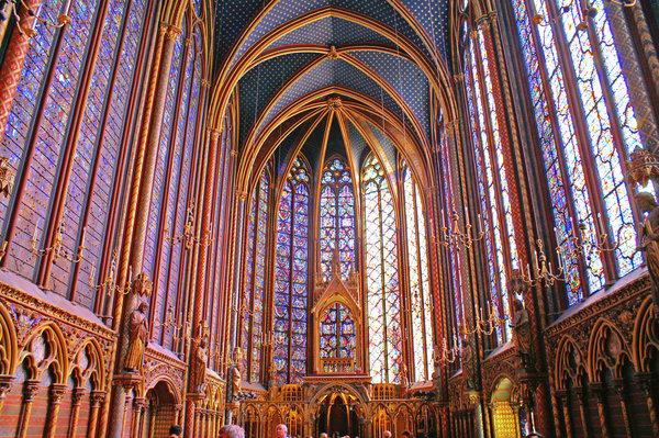 Готические соборы тамплиеров стоили безумных денег, сравнимых со стоимостью целого города