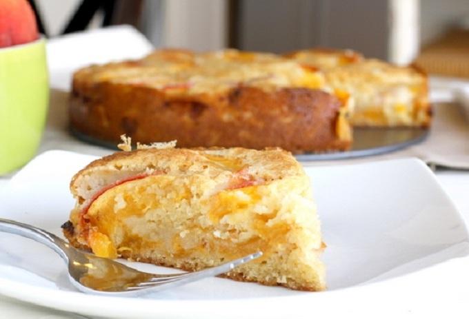Персиковый пирог. Пирог с персиками, персиковая шарлотка