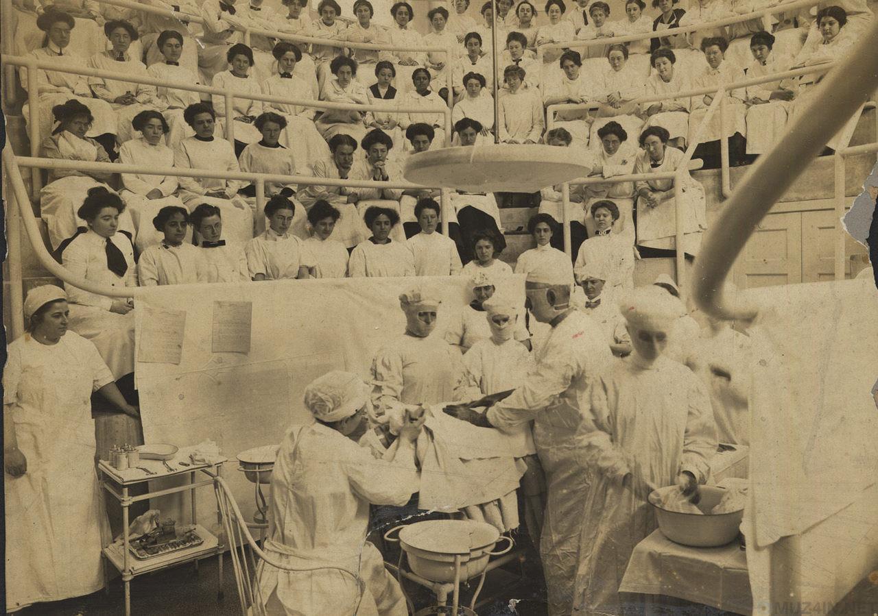 Студенческая жизнь в первом медицинском колледже для женщин