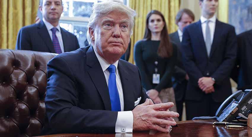 Экс-помощница Трампа: он съе…
