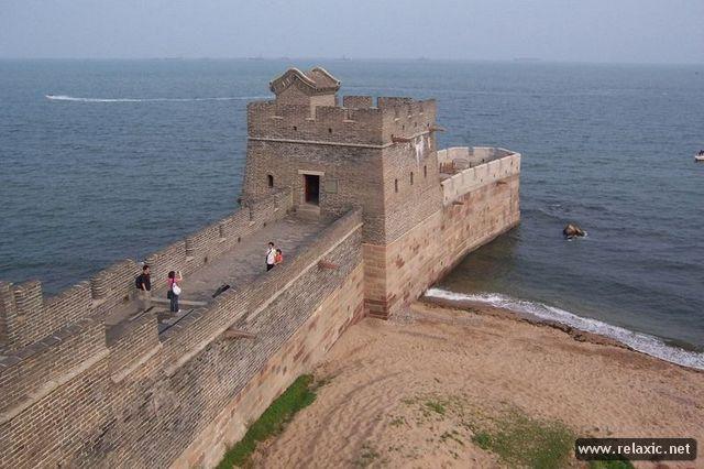 Там, где Великая стена встречается с морем (9 фото)