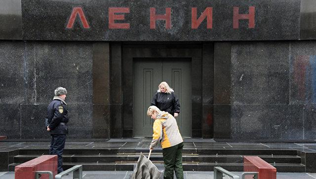 """""""Довольно глазеть на труп"""": Кадыров выступил за захоронение Ленина"""