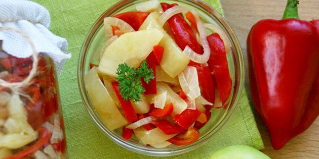 Простые салаты на зиму: Салат из перца и яблок