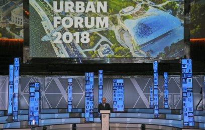 Путин: Москва задает стандарты развития городов
