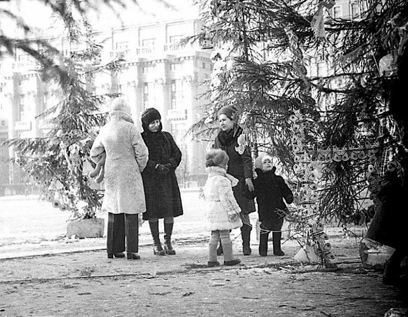 Елка на Манежной площади, 1977 г.jpg