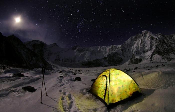 Опять ошиблись! Это гора Белуха в Катунском хребте горного Алтая.