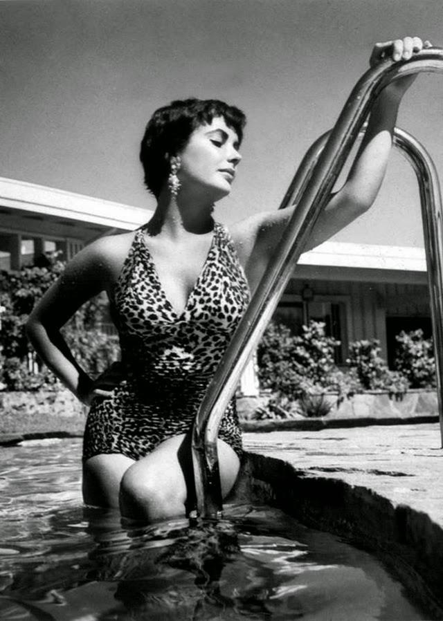 Elizabeth Taylor Goes Leopard (3)