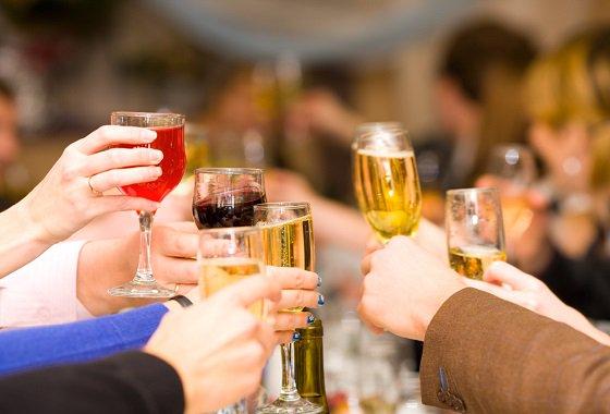 6 правил обращения с алкоголем во время праздников