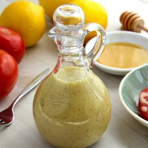 Подборка диетических соусов, которые сделают ваши блюда вкуснее и разнообразнее без лишних калорий.