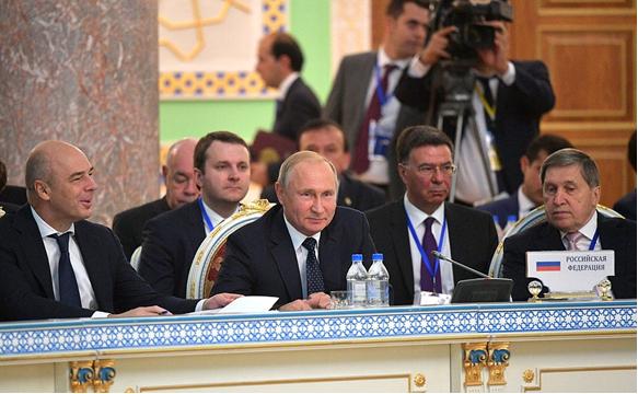 Глава России Владимир Путин встречался с коллегами в рамках Совета глав стран СНГ