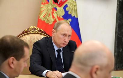 Путин поблагодарил Мутко за организацию ЧМ по футболу