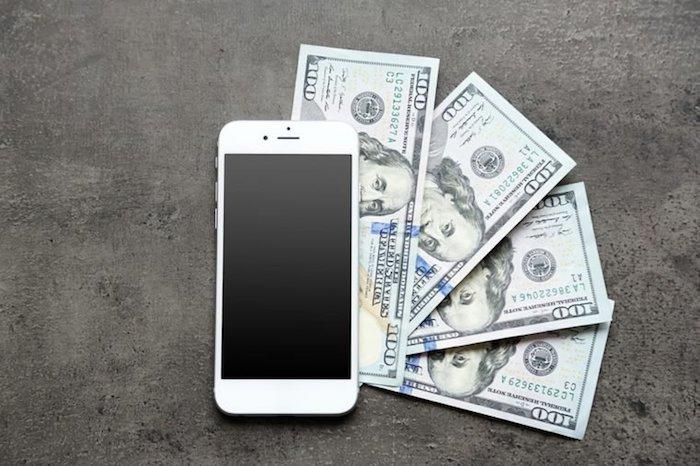 Смартфон на продажу.