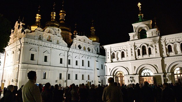 Тревога. Православные Украины готовы отбить штурм Киево-Печерской лавры