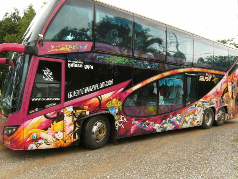 1. Вас повезут на большом экскурсионном автобусе или на микроавтобусе. kwai, thailand, паттайя, река квай, тайланд