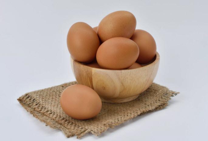 Самое доступное лекарство лежит у Вас в холодильнике. Лечебная сила обычного яйца