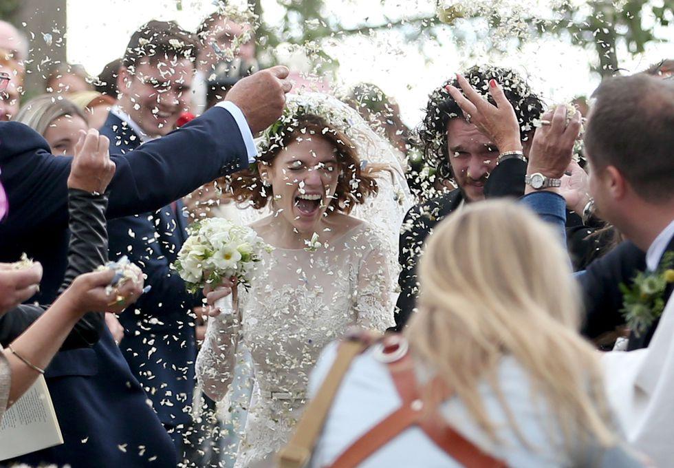 Кит Харингтон и Роуз Лесли сыграли свадьбу