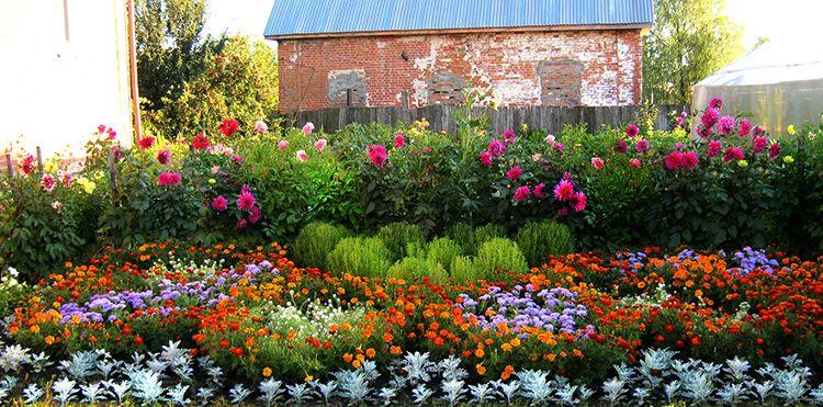 Ландшафтный дизайн двора чаÑтного дома: фото, которые помогут изменить ваше предÑтавление о том, каким должен быть рай