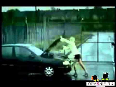 Женщина за рулем, или когда песня в тему ))