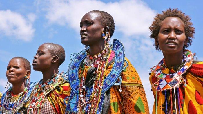 Почему у африканцев темная кожа, если все темное нагревается на солнце гораздо сильнее