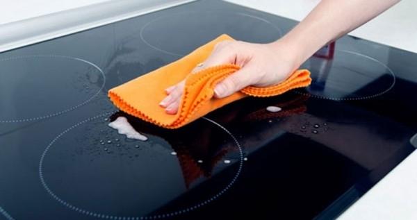 Как почистить вашу керамическую плиту?