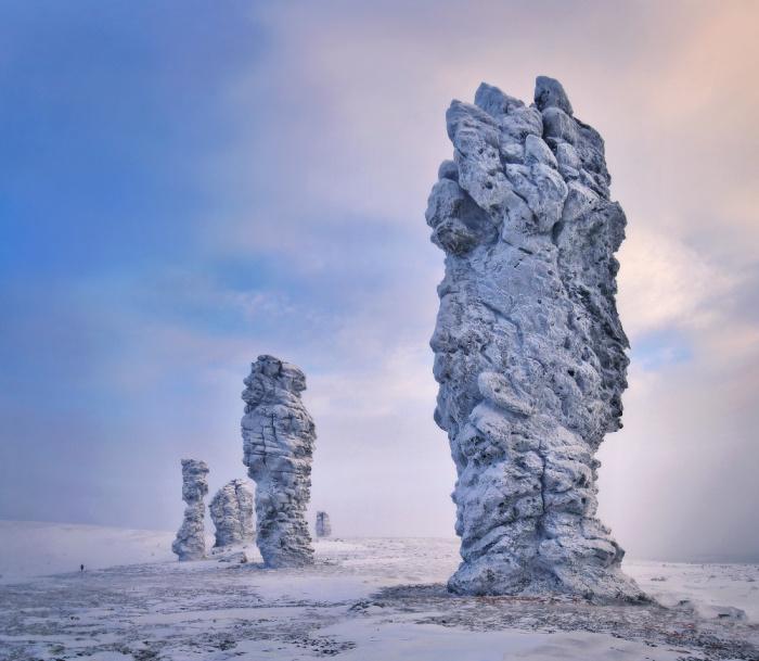 Но это в России — столбы выветривания на плато Маньпупунёр в Печоро-Илычском заповеднике в республике Коми.