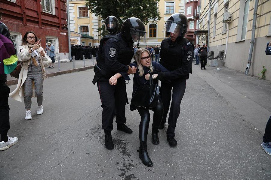 Кремль заявил о невмешательстве. За все ответит Собянин?
