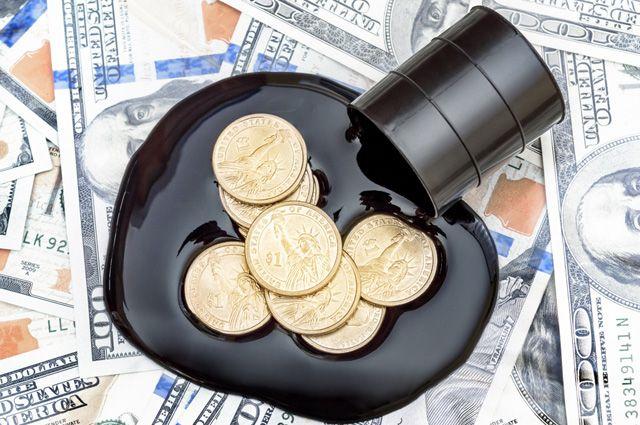 Трамп баррель до 100 долларов доведет. Что будет с ценами на нефть?