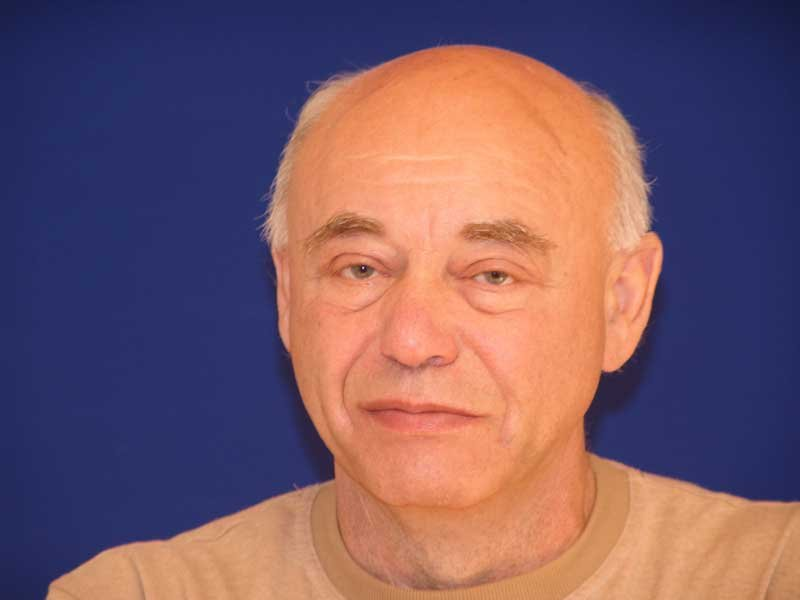 В Петербурге умер великий писатель-фантаст Михаил Ахманов