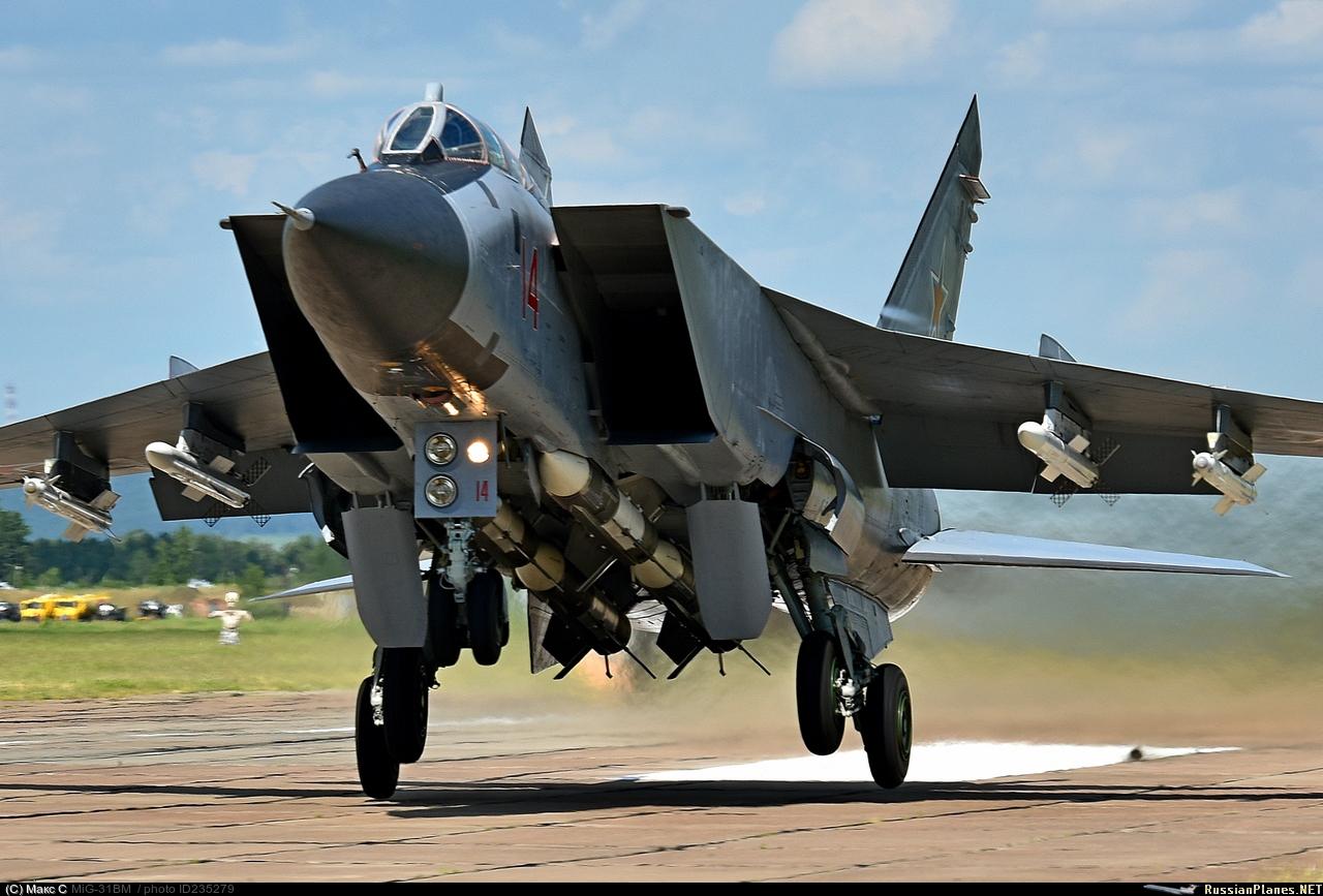 МиГ-31БМ с ракетами Р-77-1