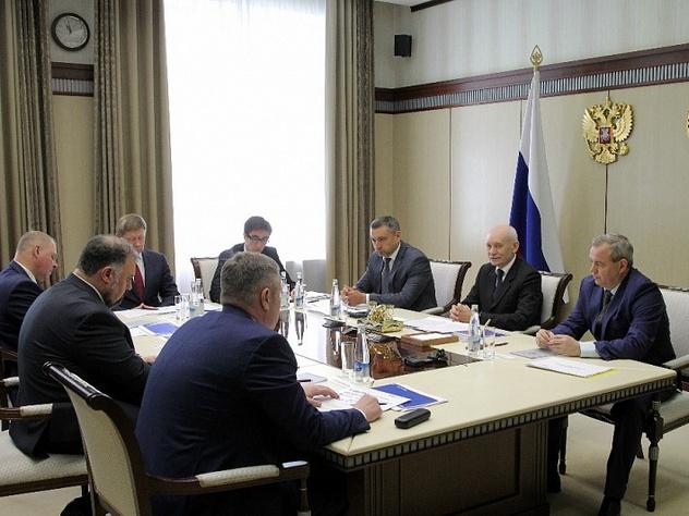 Глава Башкирии попросил UTair расширить географию авиарейсов