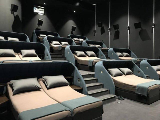 Необычный кинотеатр в Швейцарии
