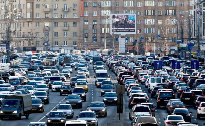 «Запихнули в Москву полстраны и довели ее до транспортного коллапса»