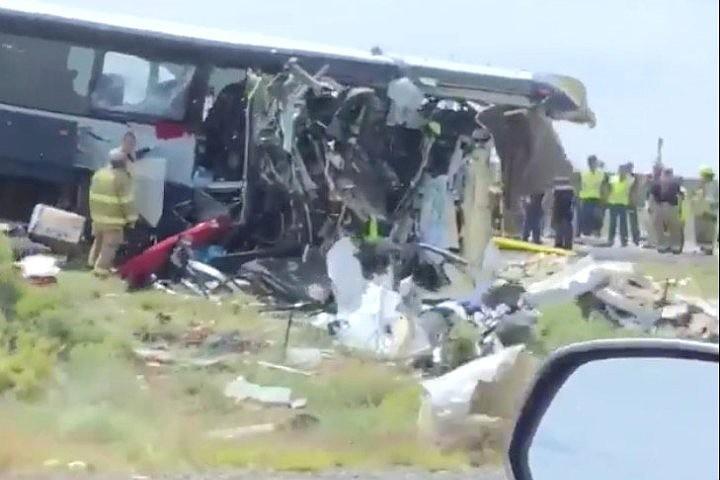 Жертвами аварии с участием автобуса в Мексике стали восемь человек