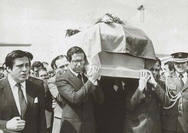 Товарищи и коллеги прощаются с Хайме Рольдосом