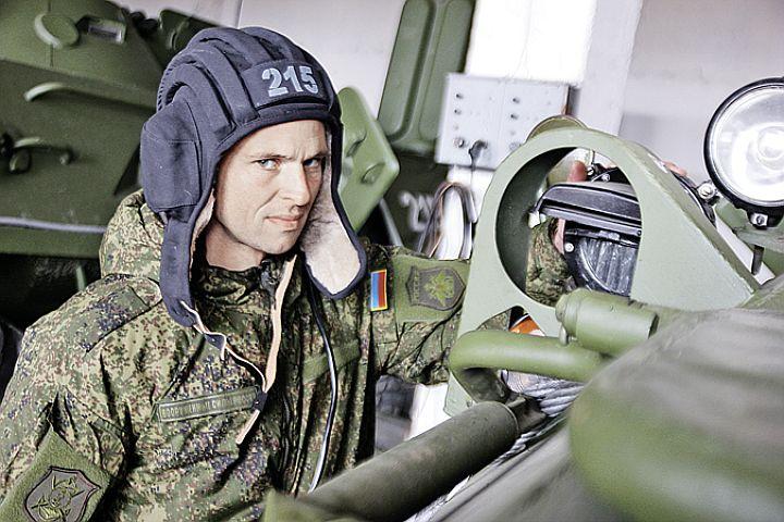 Как теперь живут военные в Крыму