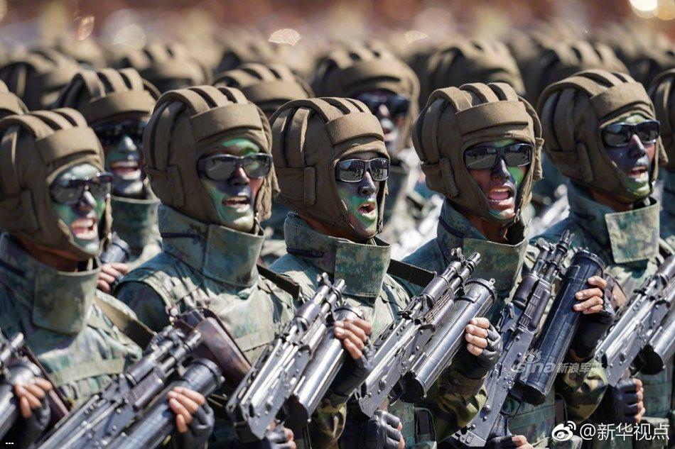 Видео и фото парада в честь 70-летия КНДР