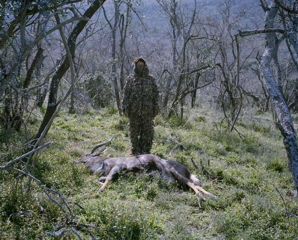 davidchancellor22 Провокационный фотопроект «Охотники и их добыча»