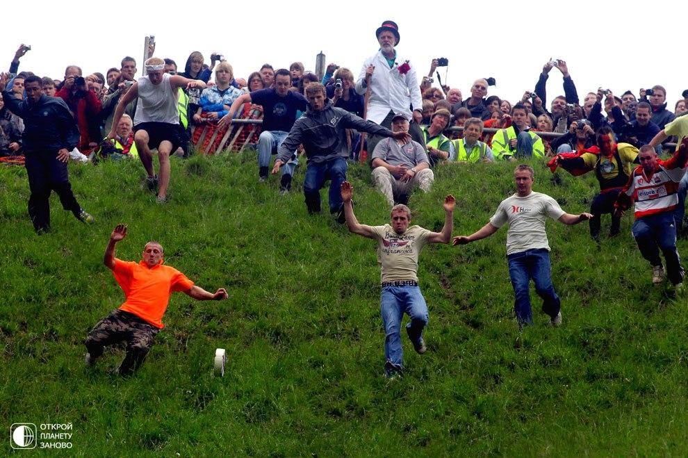 Сырные гонки в Англии!