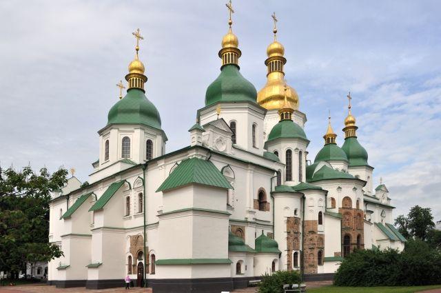 Почему на Украине хотят разгромить русскую церковь?