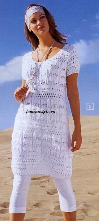 Летнее мини-платье спицами