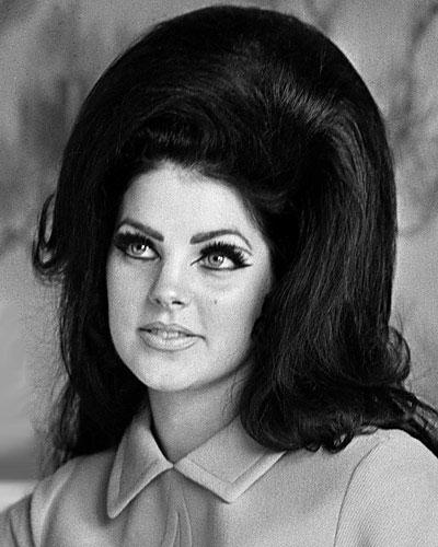10 знаковых причёсок в истории