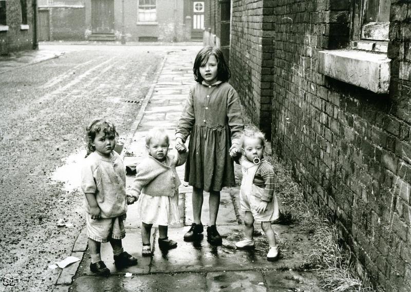 Обаяние трущоб Манчестера в фотографиях Ширли Бейкер 1960-х годов 29